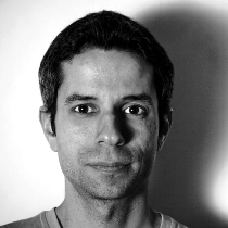 Andrés Atala Quezada: Pianist des Improtheater Ensemble